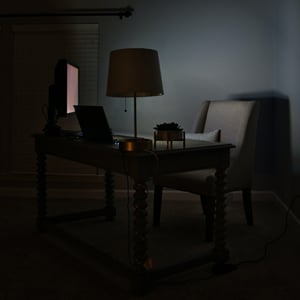 Disinhibition Effect in Online Therapy - empty chair in front of computer
